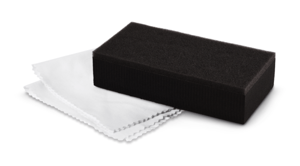 Applicator and suede for ceramic protection